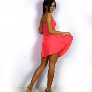 """Елегантна рокля с V – образно деколте """"огърлица"""""""